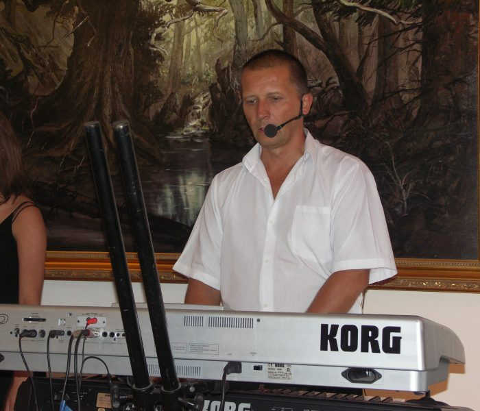 Jacek instr. klawiszowe, vokal